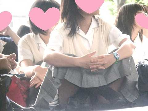 【レア】集合場所での体育座り-3