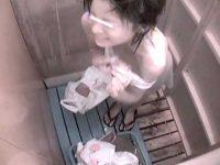 シャワールームは危険な香り!全く揺れないぺちゃぱい豆乳首のスリム女子