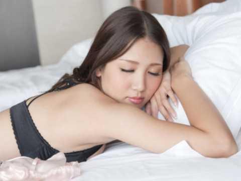 友田彩也香 寝顔