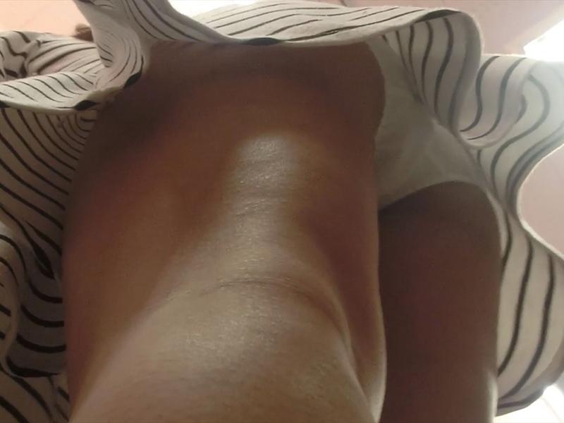 アパレル店員さんの胸チラパンチラ天国13-6